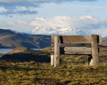 Torres-del-Paine-El-Calafate-March-2009-crop-bench-right-8x101